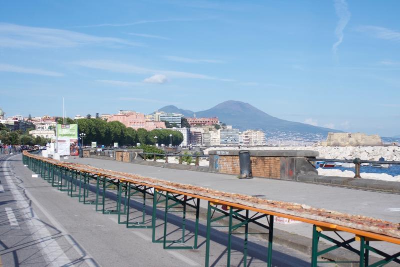 Pizza record da due chilometri a Napoli